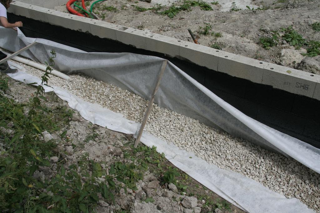 Drainage des fondations soubassements ca nous botte de - Plan de drainage maison ...